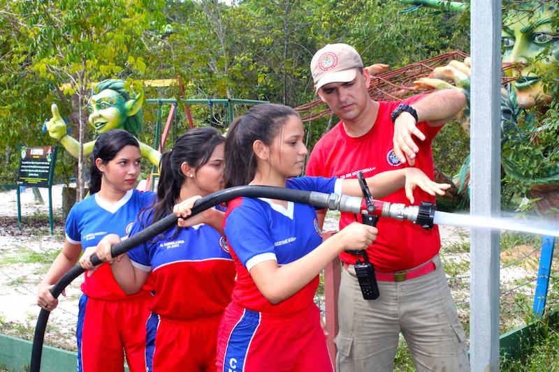 Parque Sumaúma recebe mais de 100 estudantes em programação especial do Dia Mundial da Água