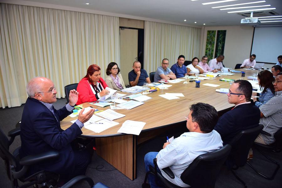 José Melo assegura medidas na área de educação e infraestrutura durante encontro com prefeitos