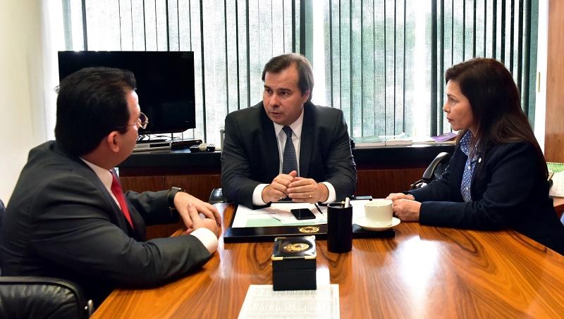 Wilker Barreto volta de Brasília com garantia de financiamento da Rádio Câmara