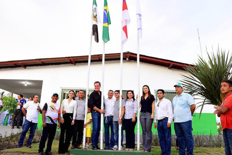 Presidente David Almeida participa de inauguração da Feira do Produtor e demais obras em Rio Preto da Eva