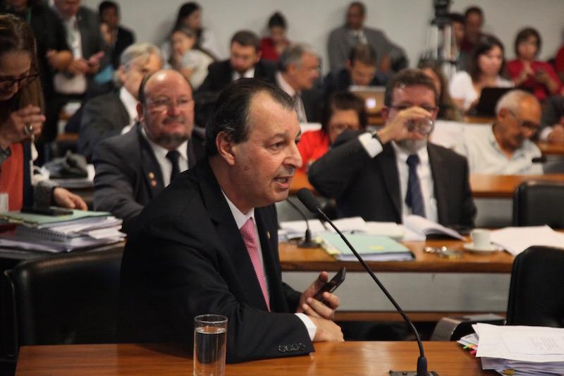 Omar Aziz defende diálogo com governo para aprovação da MP da Suframa