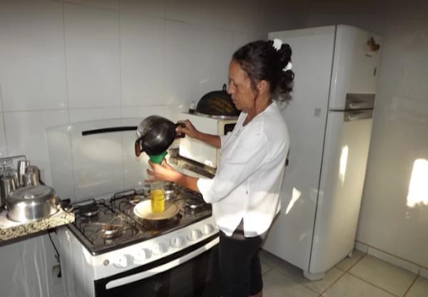 Aleam vai coletar óleo de cozinha usado e doar para reciclagem