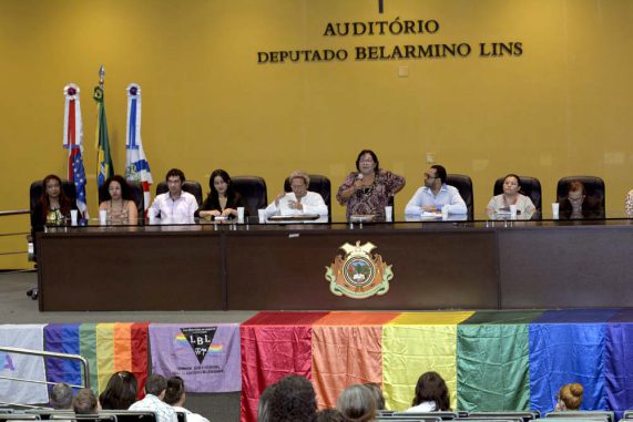 Conselho Nacional discute combate à discriminação de comunidade LGBT