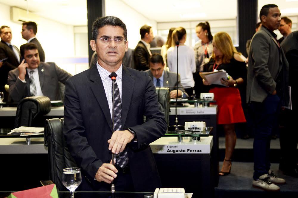 Presidente David Almeida anuncia convocação de líderes para hoje quinta-feira, 27