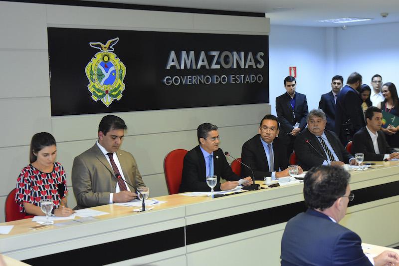 Governador David Almeida anuncia que BMW vai ampliar em € 4 milhões investimentos no Amazonas
