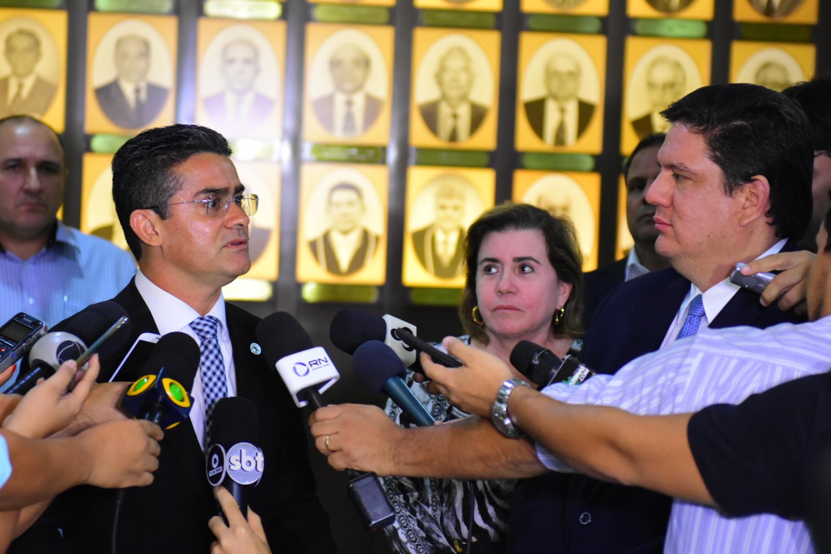Governador David Almeida anuncia primeiras mudanças no secretariado do Estado