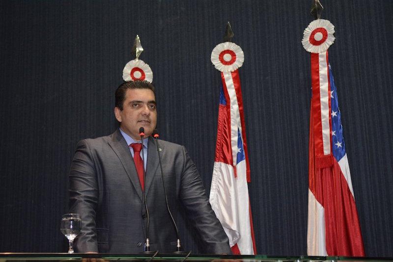 Abdala Fraxe assume a presidência da Aleam e garante prosseguimento aos trabalhos da Casa