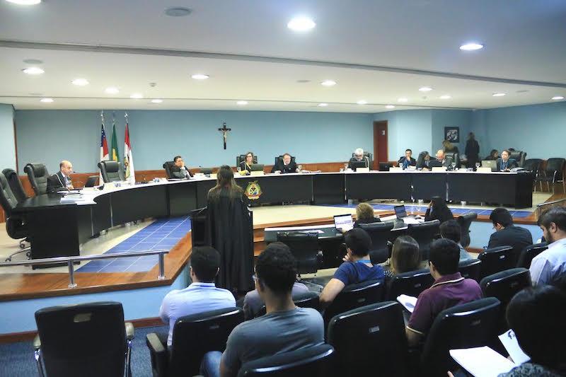 Contas de José Melo de 2016 serão apreciadas no dia 6 de junho no TCE