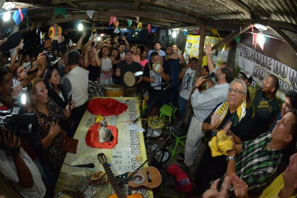 Amazonino visita o segundo quilombo urbano do Brasil na praça 14