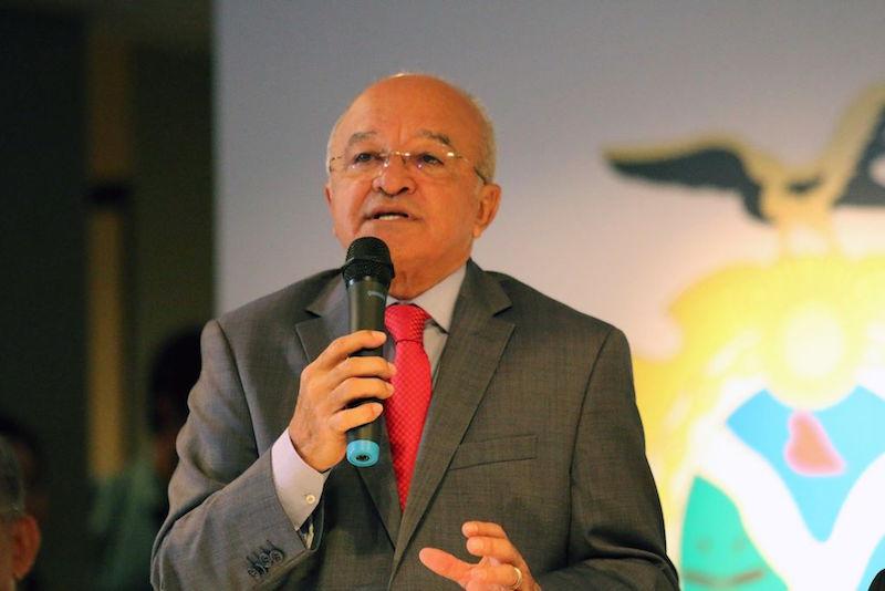 Contas de 2016 de José Melo são aprovadas com ressalvas