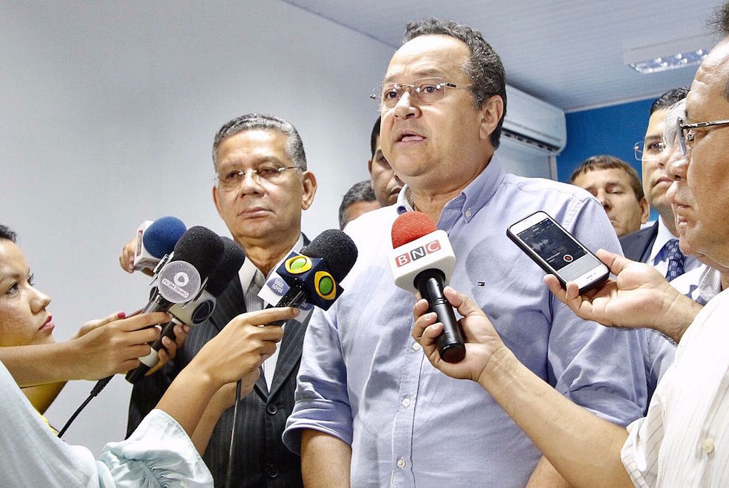 Silas Câmara anuncia apoio à candidatura de Amazonino Mendes ao governo