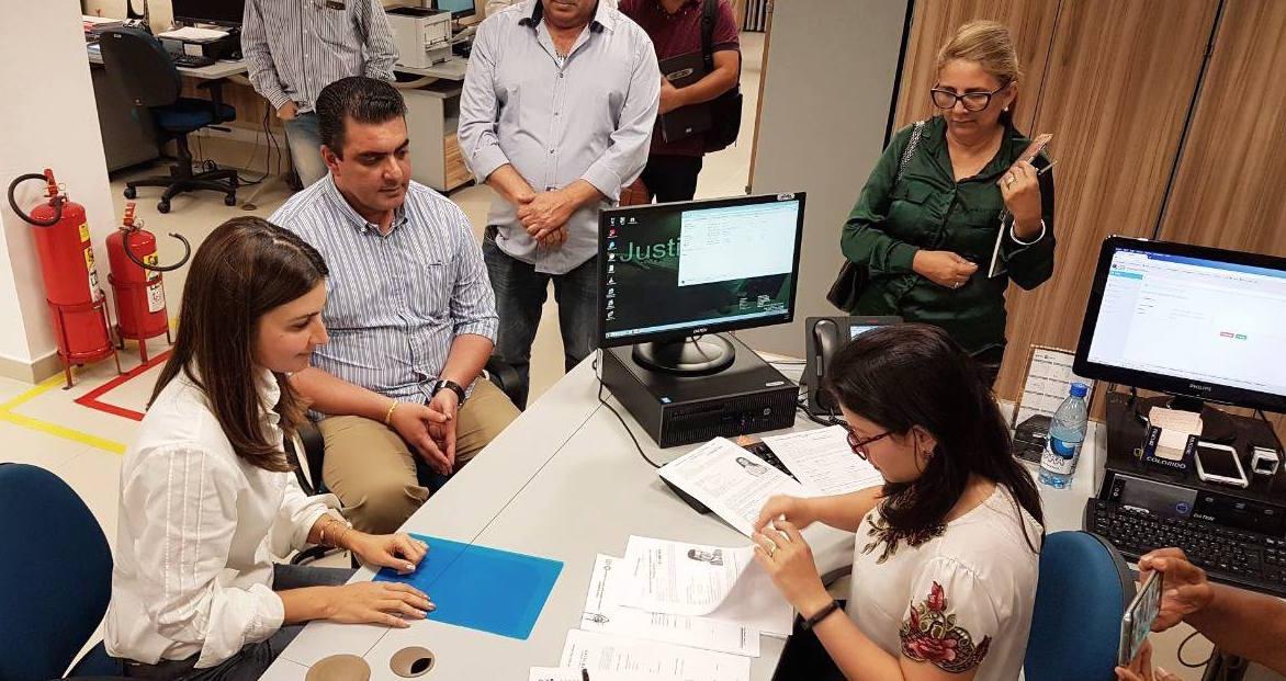 Rebecca Garcia registra chapa para governo do AM