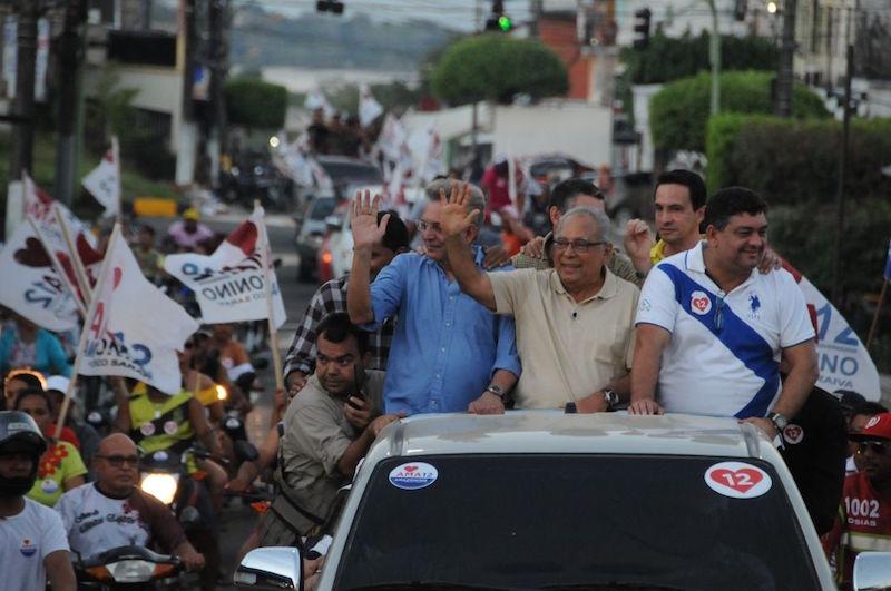 Moradores de Boca do Acre e Coari saem às ruas para declarar apoio a Amazonino