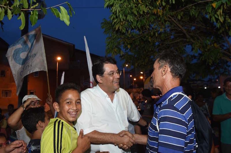 Eduardo visita moradores do Prosamim no Centro de Manaus